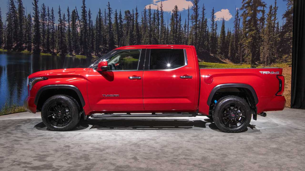 2022 Toyota Tundra Limited TRD Off-Road Exterior Side Profile