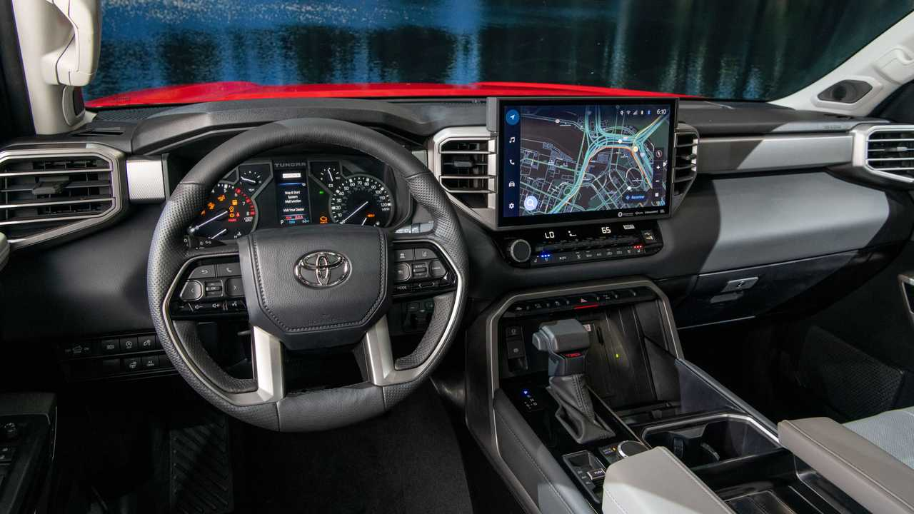 2022 Toyota Tundra Limited TRD Off-Road Interior Dashboard
